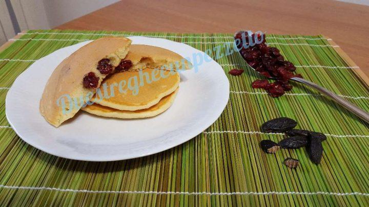 Pancakes con mirtilli rossi e fave di tonka